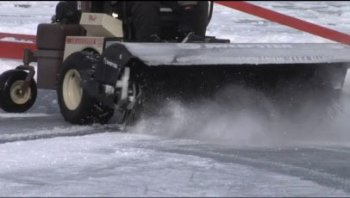 Hockey tournament at full strength with Grasshoppers and snow removal implements