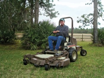 25,000-acre ranch relies on Grasshopper to mow both sides of the fences