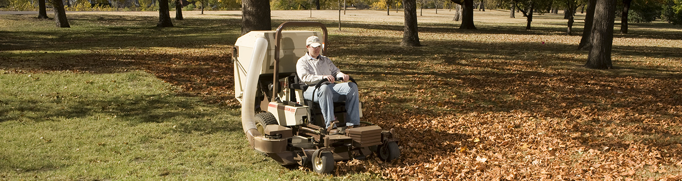 MidMount™ PowerVac™ Collection Systems | Grasshopper Mower
